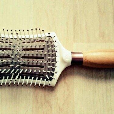 EcoTools Smoothing Detangler Hair Brush uploaded by Berenika K.