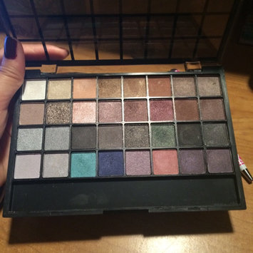 Photo of e.l.f. Studio Endless Eyes Pro Mini Eyeshadow Palette - Natural uploaded by Bunga S.
