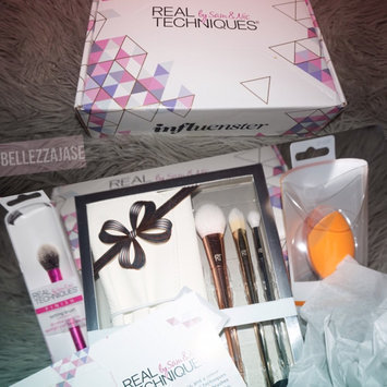 Photo of Real Techniques: Bold Metals Collection Spotlight Essentials Holiday Set uploaded by Jessica K.