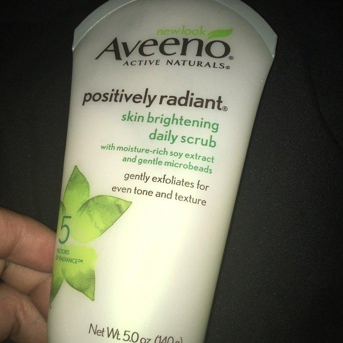 Aveeno Positively Radiant Skin Brightening Daily Scrub uploaded by Ruth M.