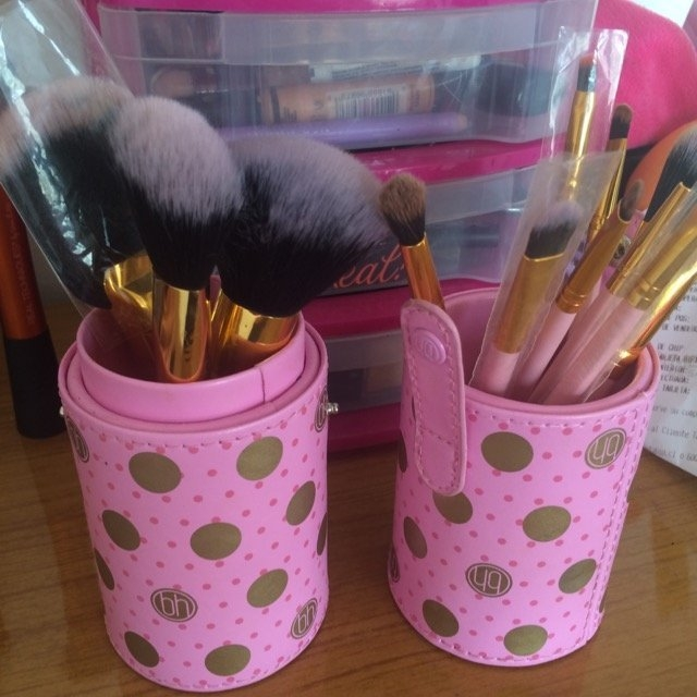 BH Cosmetics Pink-a-Dot Brush Set uploaded by Orianna R.