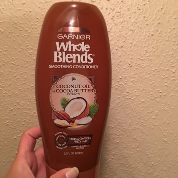 Photo of Garnier Whole Blends Coconut Oil & Cocoa Butter Extracts Smoothing Conditioner uploaded by Fernanda M.