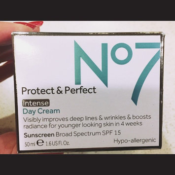 Boots No7 Protect & Perfect Day Cream uploaded by Hikari A.