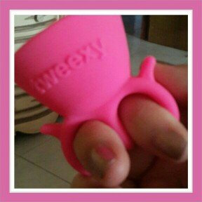 tweexy The Wearable Nail Polish Holder in Bonbon Pink uploaded by Bridgid B.