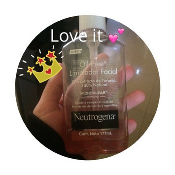 Neutrogena Oil-Free Pink Grapefruit Acne Wash Facial Cleanser uploaded by Lizy G.