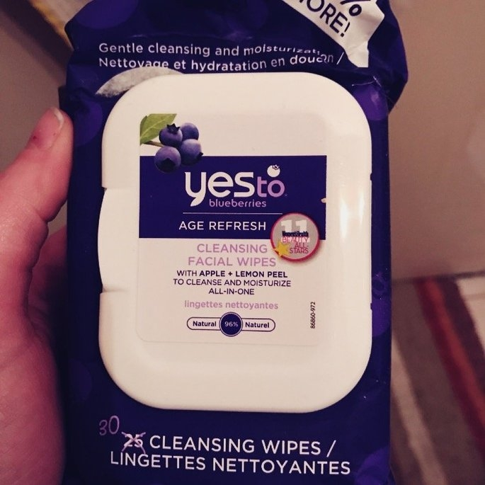 Yes to Blueberries Brightening Facial Towelettes uploaded by Andrea S.