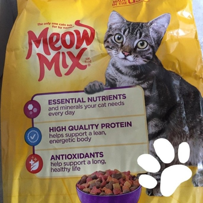 Meow Mix Original Choice Cat Food uploaded by Tessa L.