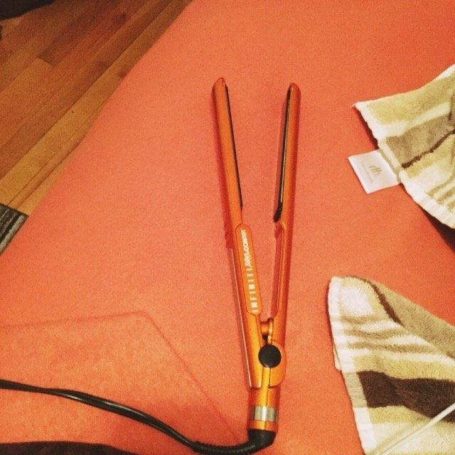 Conair Infiniti Pro One-Inch Ceramic Hair Straightener-ORANGE-One Size uploaded by Pretty T.