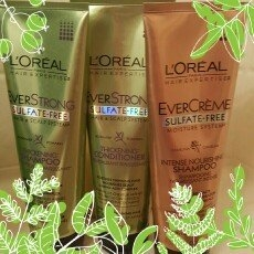 L'Oréal EverStrong Thickening Conditioner uploaded by Heather M.