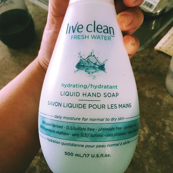 Photo of Live Clean Fresh Water Hydrating Liquid Hand Soap uploaded by Jayvelyn C.