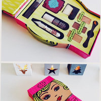 Benefit Cosmetics Gals Just Wanna Have Fun uploaded by Ameline L.