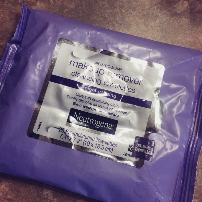 Neutrogena Make-Up Remover Cleansing Towelettes Night Calming uploaded by Kenya G.