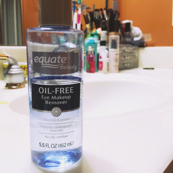 Equate Oil-Free Eye Makeup Remover, 5.5 fl oz uploaded by Adriana F.