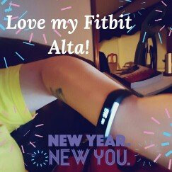 Fitbit 'Alta' Wireless Fitness Tracker, Size Small - Black uploaded by Ruth M.