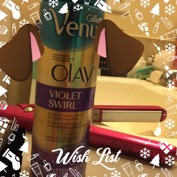 Photo of Gillette Venus with a Touch of Olay Shave Gel Sugarberry Bliss uploaded by Daisy G.