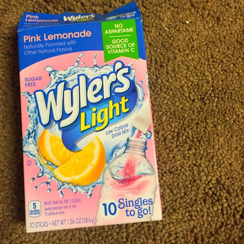 Photo of Wyler's Light Singles To Go Pink Lemonade Soft Drink Mix, 10ct uploaded by Erin P.