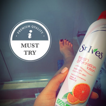 St. Ives Energizing Citrus & Vitamin C Fresh Hydration™ Lotion uploaded by Kaydi S.