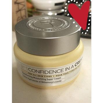 It Cosmetics Confidence in a Cream Transforming Moisturizing Super Cream uploaded by Brandi W.