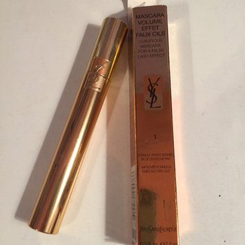 Photo of Yves Saint Laurent MASCARA VOLUME EFFET FAUX CILS SHOCKING - Voluminous Mascara for a False Lash Effect uploaded by Katie v.