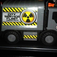 Toy State City Service Fleet Motorized Vehicle - Garbage Truck uploaded by Tracy J.