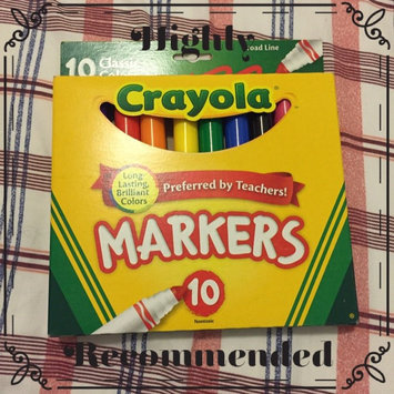 Photo of Crayola 10ct Broad Markers - Assorted Colors uploaded by Kenia C.