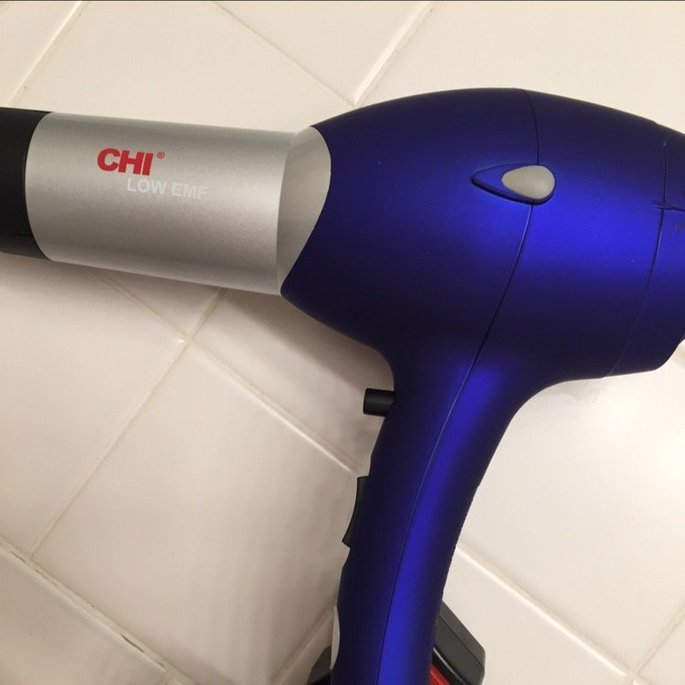CHI Pro Low EMF Professional Hair Dryer with Diffuser uploaded by S Y.
