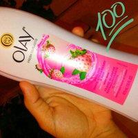 Olay Fresh Outlast Body Wash, Cooling White Strawberry & Mint, 13.5 fl oz uploaded by Whitney C.