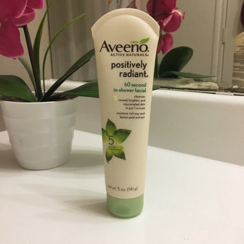 Aveeno Positively Radiant 60 Second In-Shower Facial Cleanser uploaded by Ingrid H.