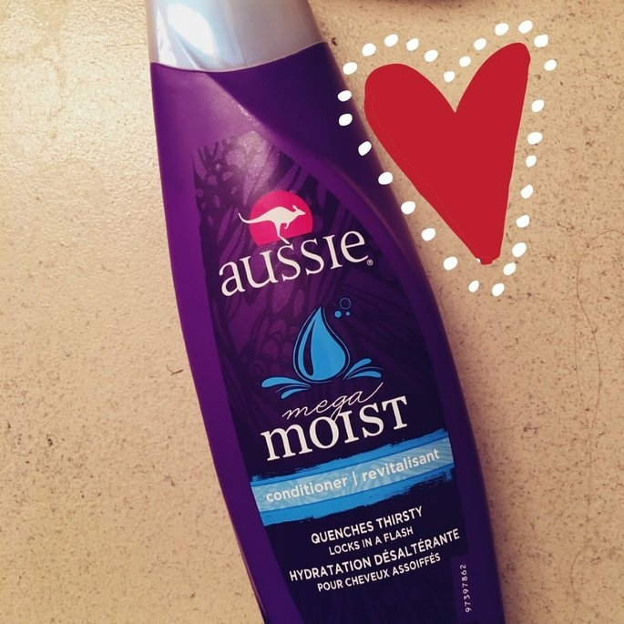 Aussie Mega Moist Conditioner uploaded by Emily H.