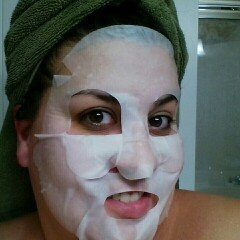 Yes to Tomatoes Clear Skin Acne Fighting Sheet Mask uploaded by Angie C.