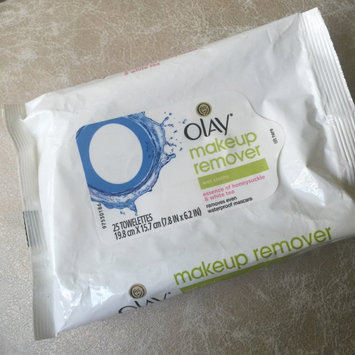 Photo of Olay Make-Up Remover Wet Cloths uploaded by Cindy G.