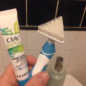 Photo of Olay Fresh Effects Va-Va-Vivid Powered Contour Cleansing System uploaded by Ashley M.