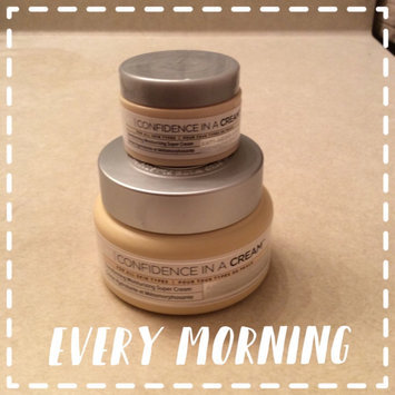 It Cosmetics Confidence in a Cream Transforming Moisturizing Super Cream uploaded by Jenny S.