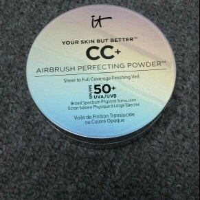It Cosmetics Your Skin But Better CC+ Airbrush Perfecting Powder SPF50+ uploaded by Esther R.