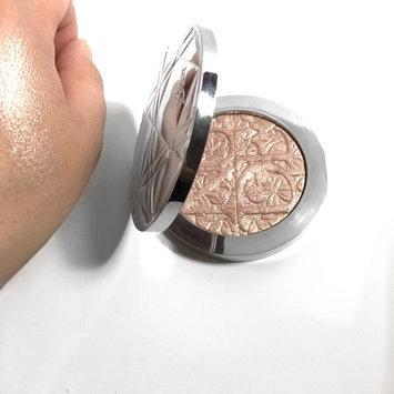 Photo of Dior Diorskin Nude Air Luminizer Powder Shimmering Sculpting Powder uploaded by Katia W.