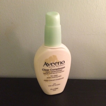 Aveeno Clear Complexion Daily Moisturizer uploaded by Lizzy M.