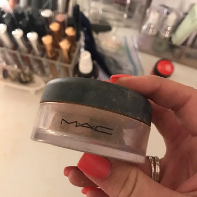 MAC Mineralize Loose Powder Foundation uploaded by Erin H.