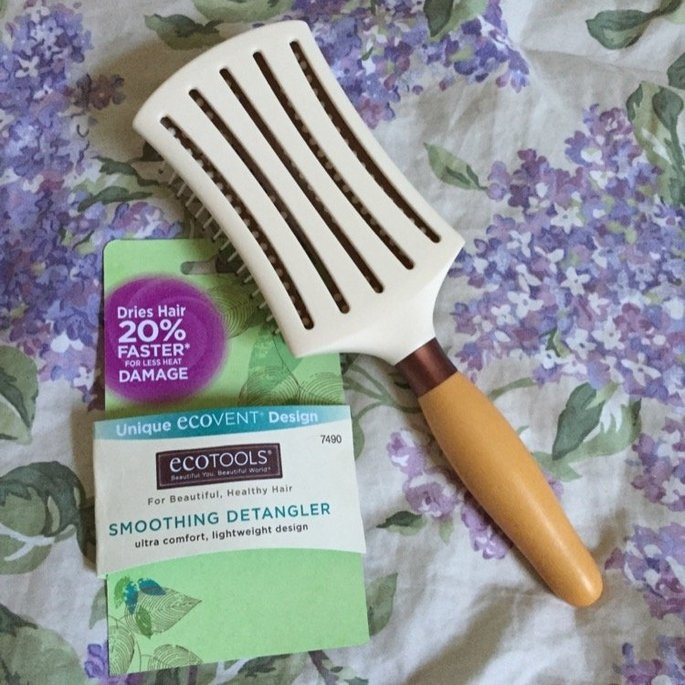 EcoTools Smoothing Detangler Hair Brush uploaded by Katie K.