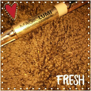 Photo of L'Oréal Paris MAGIC by Studio Secrets Magic Lumi Highlighting Concealer uploaded by Lana P.
