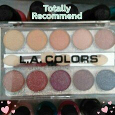 Photo of LA Colors L.A. Colors Glittering Starlet Eyeshadow 83 Marilyn uploaded by Cora M.