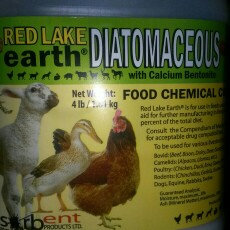 Photo of Absorbent Products Ltd. 087311 Red Lake Earth Diatomaceous Earth 4 No. Jug uploaded by Denisha H.