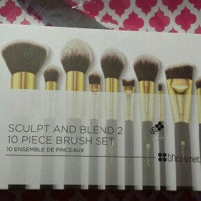 Photo of Sculpt and Blend - 10 Piece Brush Set uploaded by Karen L.