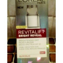 L'Oréal Paris Revitalift Bright Reveal SPF 30 Moisturizer uploaded by Kristal F.