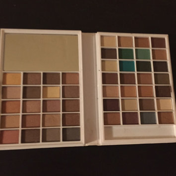 Photo of e.l.f. Cosmetics Eyeshadow Book uploaded by Vanessa P.