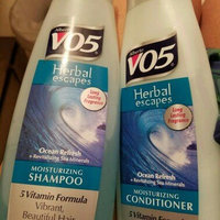 Alberto VO5 Herbal Escapes Moisturizing Shampoo Ocean Refresh uploaded by Brooklyn D.
