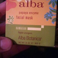 Alba Botanica Hawaiian Facial Mask Pore-fecting Papaya Enzyme uploaded by Blair M.