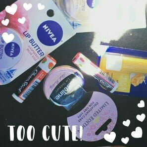 Photo of Vaseline Limited Edition Lip Therapy Pink Bubbly Tin uploaded by ari k.