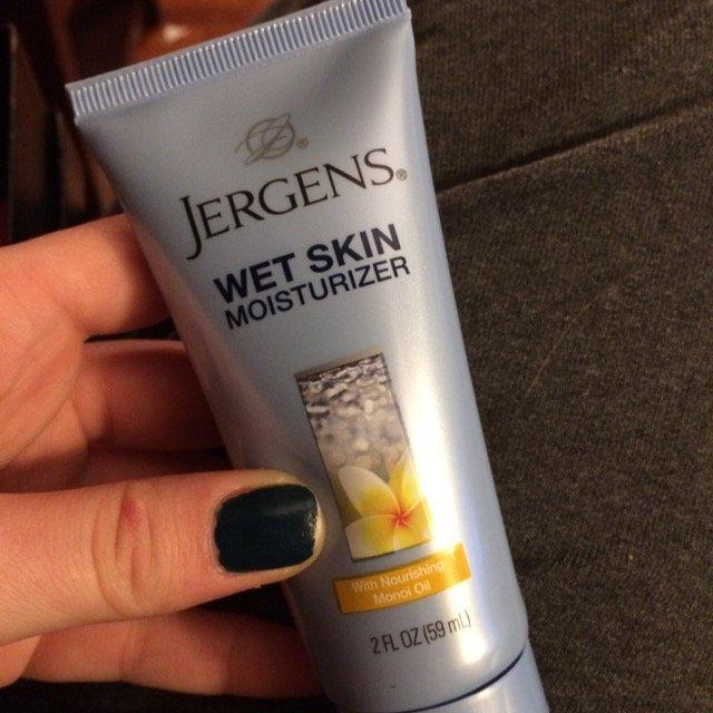 Jergens Wet Skin Moisturizer with Nourishing Monoi Oil