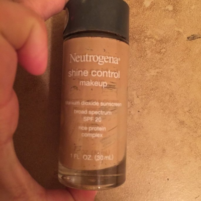 Neutrogena Makeup Shine Control with SPF 20 uploaded by Jacqueline V.