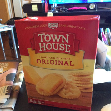 Photo of Keebler Town House Wheat Crackers uploaded by Christine K.